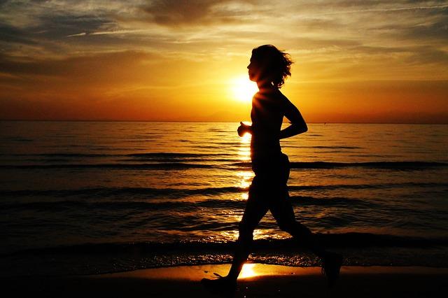 ジョギング初心者は何キロ走る?ダイエットの為のランニングを解説