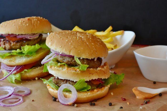 内臓脂肪を食事で燃焼させる!原則と食材、メニューについて