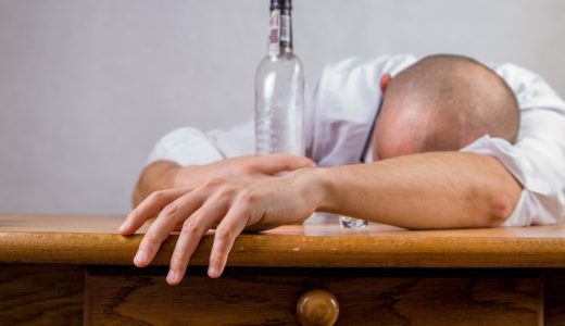 二日酔にポカリは逆効果って本当?!吐くくらい飲んだ日に水より良い飲み物は何?